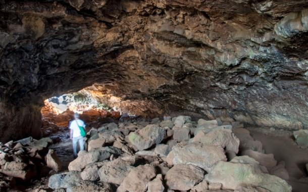 Cavernas: um dos trezentos espetáculos da Ilha de Páscoa