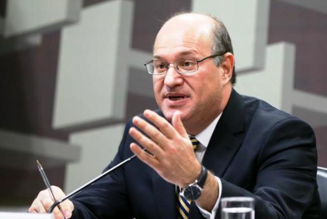 Economia ainda está fraca, mas pode crescer 2% em 2018, diz Ilan Goldfajn à Jovem Pan