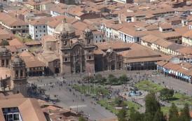 Cusco representa sincretismo religioso e festeja a Mãe Terra
