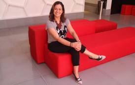 """Fabiana Conde, curadora do Radisson Red Campinas: """"""""visamos a integração de tribos"""""""