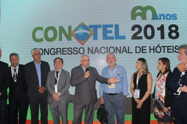 Discurso de Adilson Fonseca sobre as novidades para 2018 e agradecimentos à parceiros (Foto: Lucas Kina/DT)