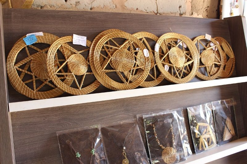 Adesivo De Parede Coruja ~ CAPIM DOURADO, um ouro de matéria prima do artesanato do Jalap u00e3o