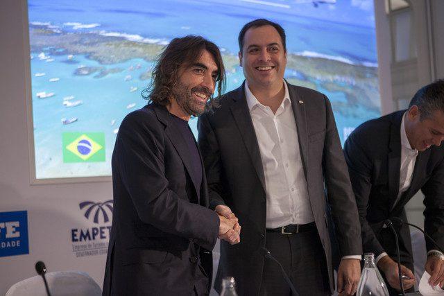 Javier Hidalgo e Paulo Câmara em anúncio da nova rota Madri-Recife (Foto: divulgação)