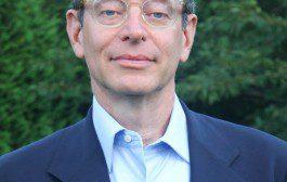 Seth M. Siegel, autor de best-seller faz palestra no Teatro Tuca da PUC-SP, nesta segunda (16)