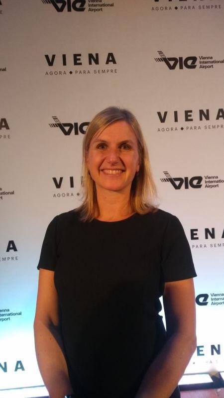 Ingrid Friz , gerente de marketing de Viena fez a apresentação