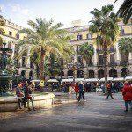 Catalunha considera convocar eleições regionais para 20 de dezembro, diz jornal