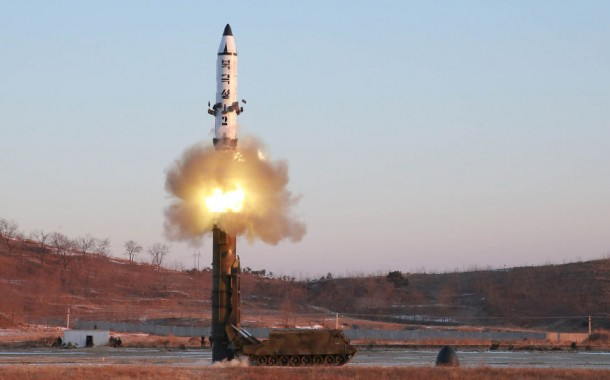 Japão detecta sinais de rádio que indicam possível teste de míssil norte-coreano, diz fonte