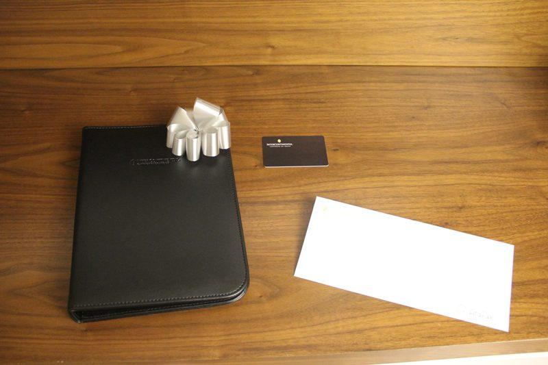 Esse tipo de hóspede dá valor à caligrafia do gerente no cartão ao desejar-lhe boas vindas (Foto: DT)