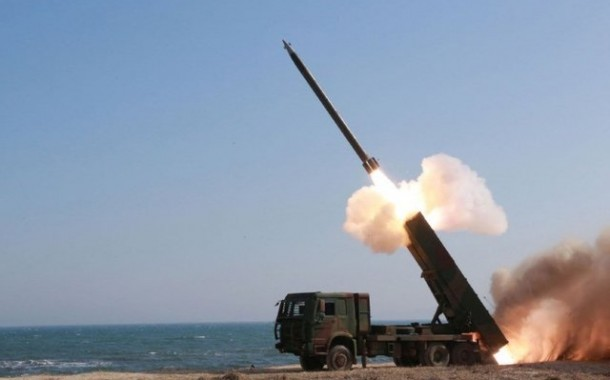 Japão, EUA e Coreia do Sul testarão rastreamento de mísseis em meio a crise com Coreia do Norte