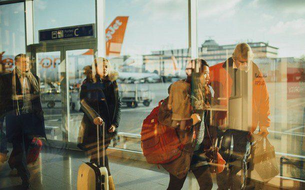 Suprema corte dos EUA determina que veto a viajantes entre em vigor