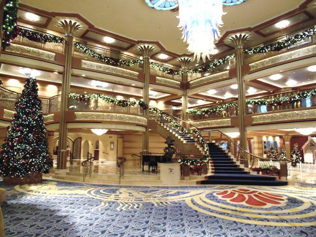 Estávamos em clima de Natal e o navio estava muito bem decorado com temas natalinos