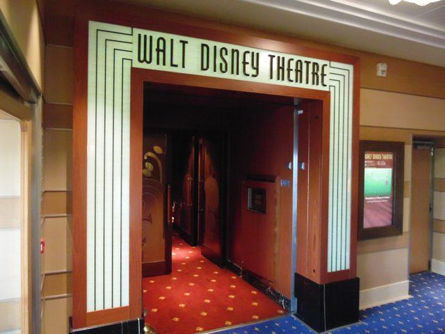 Teatro Disney: toda noite um espetáculo diferente