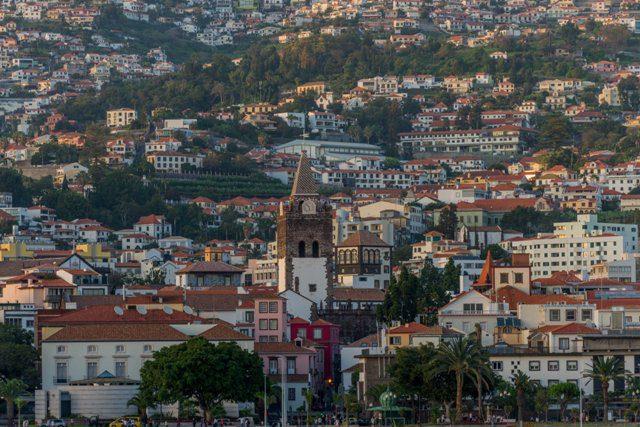 Funchal, cidade da ilha da Madeira (Crédito: divulgação)