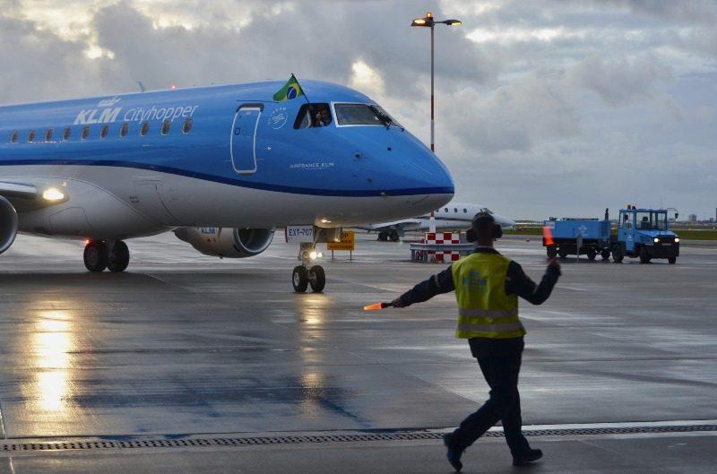 KLM expande sua frota com dois novos Embraers