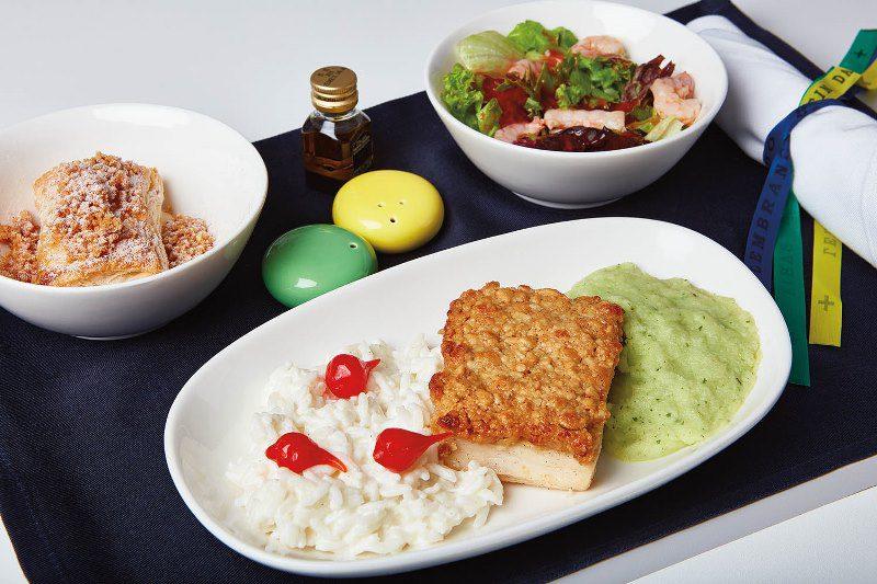 Azul lança menu especial de verão nos voos internacionais para EUA e Europa