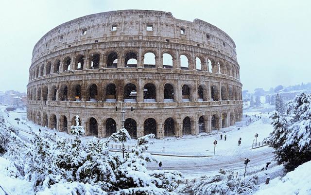 Roma fecha escolas e tem voos cancelados por excesso de neve
