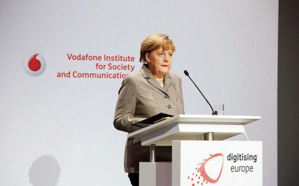 Angela Merkel é reeleita para 4º mandato como chanceler na Alemanha