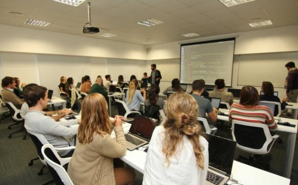 Escola britânica de programação Digital House expande operações para o Brasil