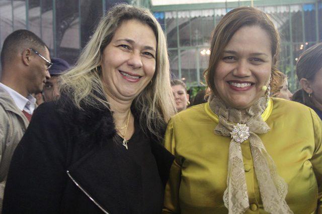 Célia D'Avevedo, empresária do Conselho Municipal de Turismo e Maria Cláudia, maestrina e intérprete do Museu Imperial (Foto: DT)