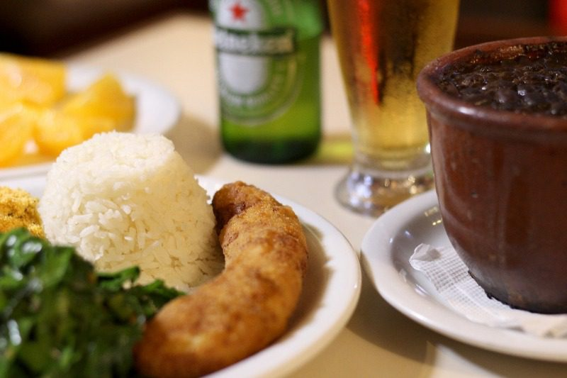 Pizzaria Copan: versátil, serve feijoada na cumbuca