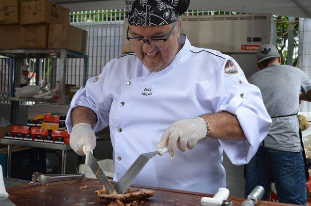 As especialidades do chef Nélio são carnes e churrasco