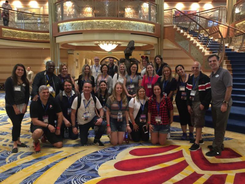 Grupo Recebido no Navio Dream por Eduardo Rocha e Mariana Moura da Walt Disney World
