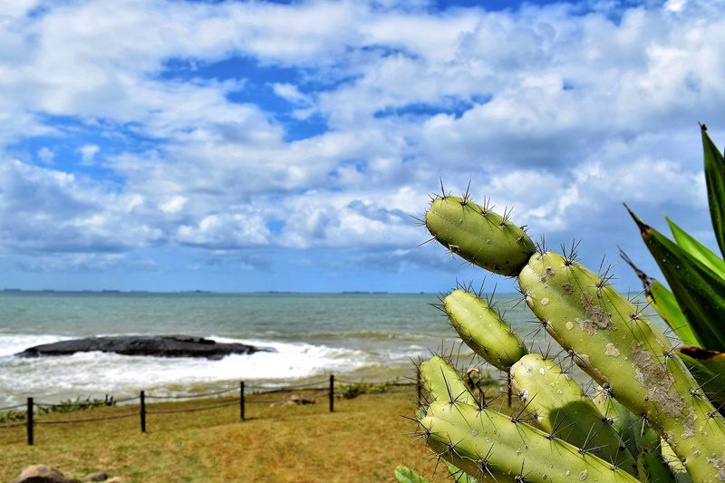 Ao final da praia da Costa está o Farol de Santa Luzia, inaugurado por Dom Pedro I em 1871(Crédito: Ana Azevedo)