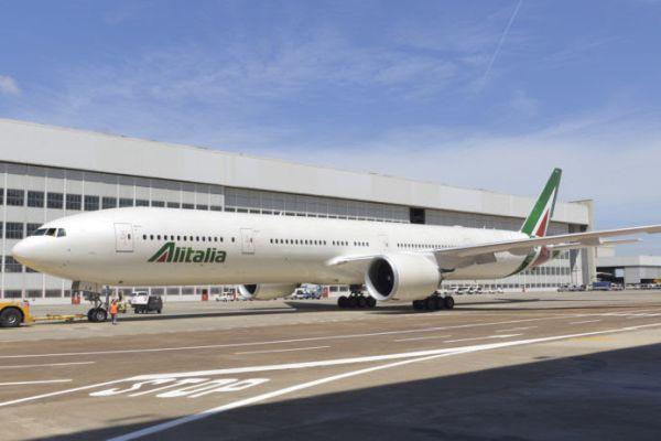 Stefano Paleari, comissário da Alitalia, fala sobre o futuro da companhia em entrevista