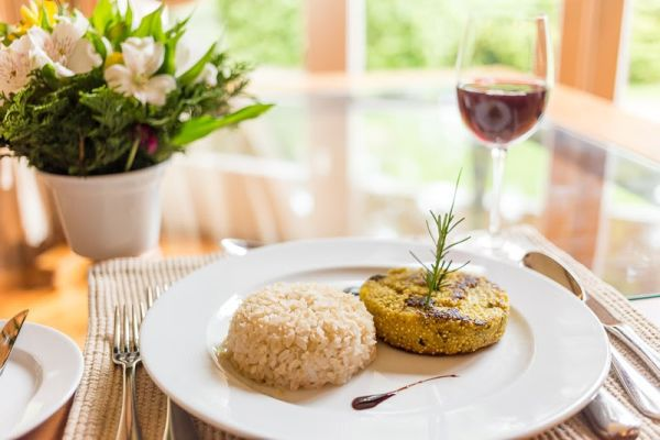 Tradicional Hotel Toriba, em Campos do Jordão, aposta em novo menu vegano e vegetariano