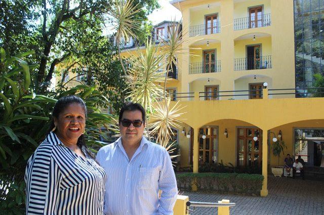 A diretora geral, Josefa Staudigl e Walter Ogawa (Crédito: divulgação)