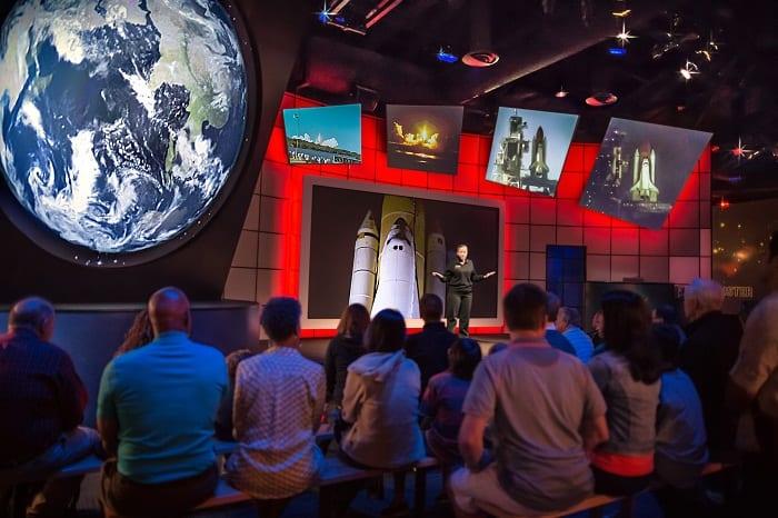 Kennedy Space Center Visitor Complex da NASA espera brasileiros nas férias de inverno