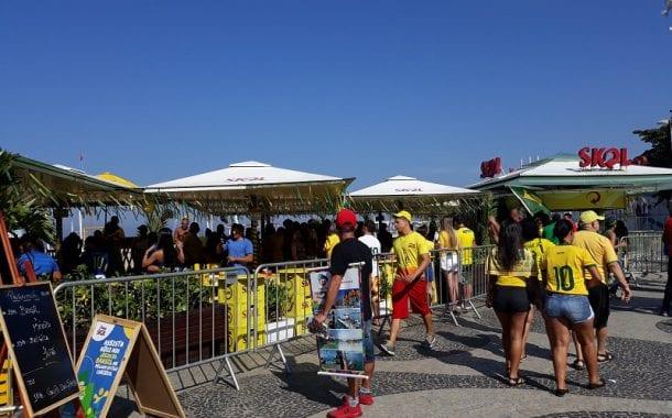 Quiosques da orla do Rio devem receber número recorde de clientes no jogo Brasil x Bélgica