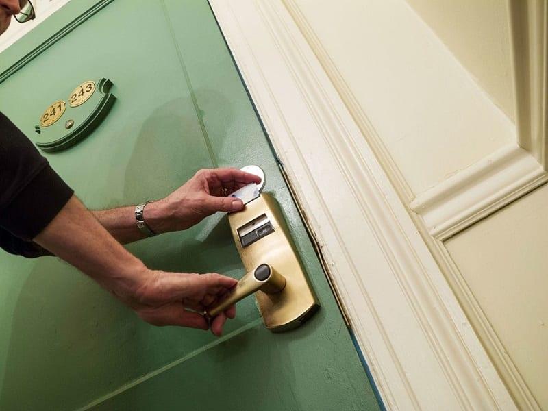 De quem é a responsabilidade por furtos nas áreas comuns dos hotéis?