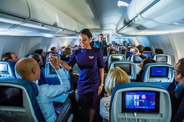 Comissarios De Bordo Entrevista: Delta Air Lines Abre Vagas Para Contratar Comissários De Bordo