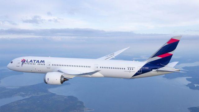 LATAM anuncia promoções de passagens para voos nacionais e internacionais