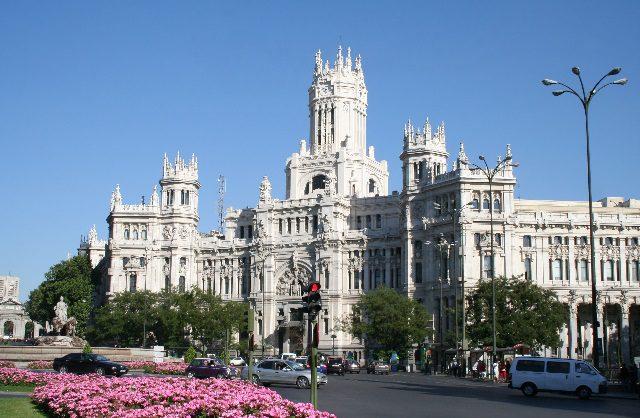 Iberia aumenta frequências semanais entre SP Madri
