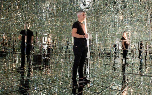 Bar Galeria Eleven apresenta o vidro como elemento de design e de arte