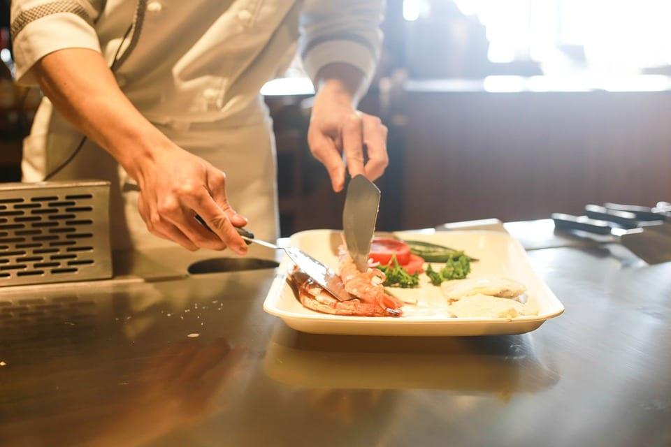LATAM apresenta chefs renomados ao Brasil para o restaurante Arturito