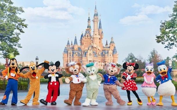 Site da Azul Viagens recebe integração de venda de ingressos para a Disney