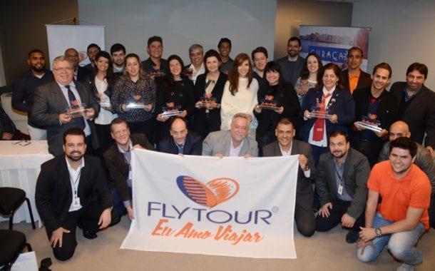 Grupo Flytour promove curso de capacitação de funcionários