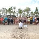 Grand Palladium Imbassaí Resort & Spa convida hóspedes para acompanhar a soltura de tartarugas no mar