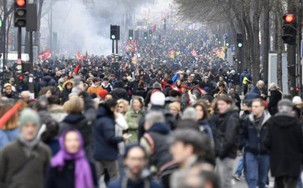 Economia da França está abalada afirma ministro francês das Finanças