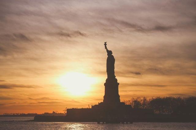 Evento em São Paulo esclarece dúvidas para viajantes que desejam obter o Green Card nos Estados Unidos