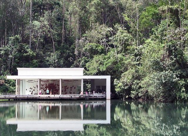 Marcela Azevedo, da Experimente Minas, comenta a reabertura do Instituto Inhotim e o impacto da tragédia em Brumadinho (MG)