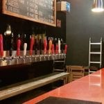 Bar espanhol com variedade de chopes artesanais é destaque no bairro da Mooca (SP)
