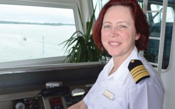 Regent Seven Seas Cruises apresenta a primeira capitã na história da indústria de cruzeiros