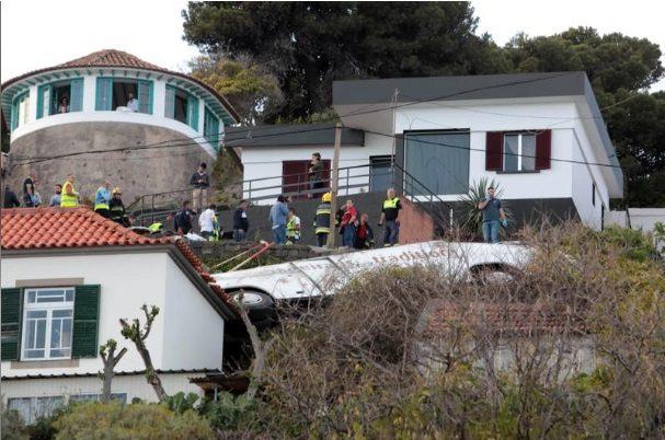Ônibus de turismo cai na Ilha da Madeira e mata 27 turistas alemães