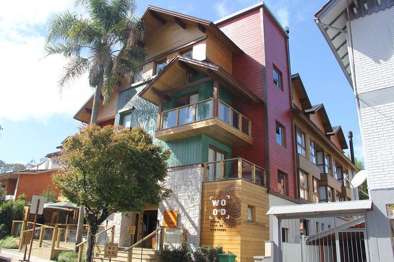 Wood Hotel Casa da Montanha propõe uma hotelaria personalizada e autoral em Gramado