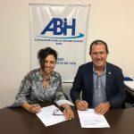 ABIH-BA e Braztoa firmam parceria para realização de eventos em Salvador
