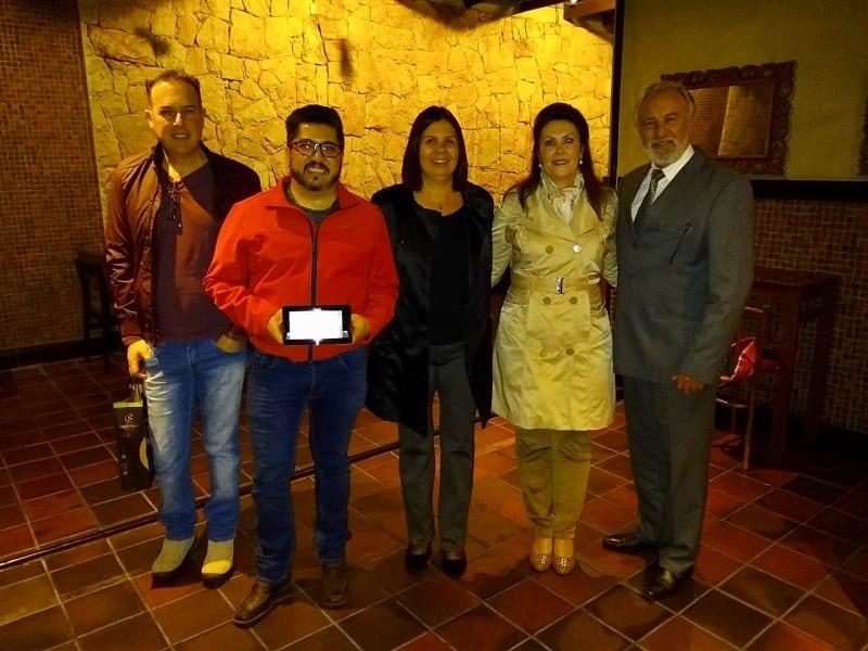 GTA reconhece agente na campanha Jantar com as Estrelas